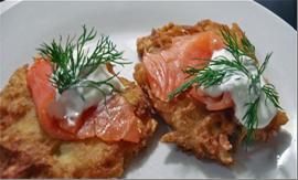Деруны с лососем