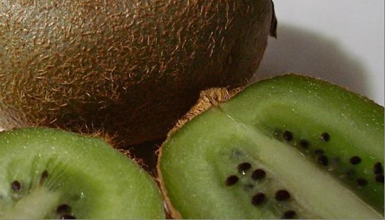 Какие фрукты полезно есть для роста волос